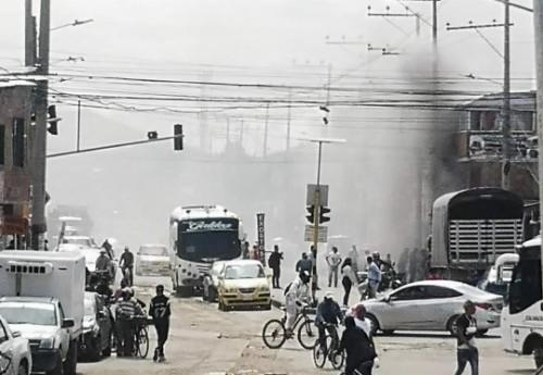Bomberos atendieron incendio en una local industrial en Madrid, Cundinamarca