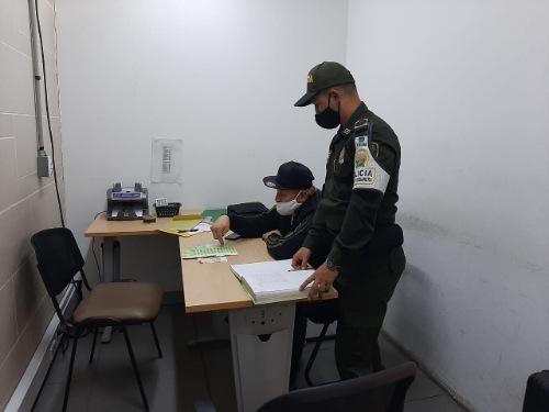 CONTUNDENTES RESULTADOS EN EL AEROPUERTO INTERNACIONAL EL DORADO FRENTE AL CONTRABANDO DE DIVISAS.