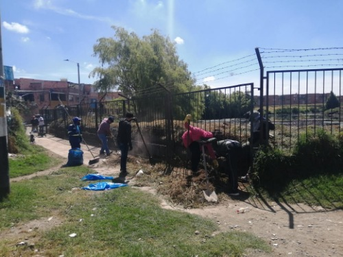 Jornada de limpieza y embellecimiento en el Barrio Escallón de Madrid Cundinamarca.
