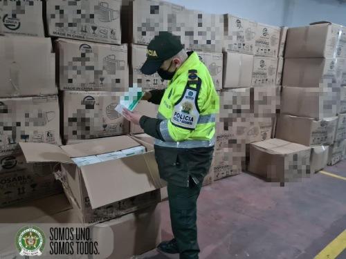 LA POLICÍA FISCAL Y ADUANERA GENERÓ APREHENSIÓN  DE TAPABOCAS POR VALOR DE 224 MILLONES DE PESOS.