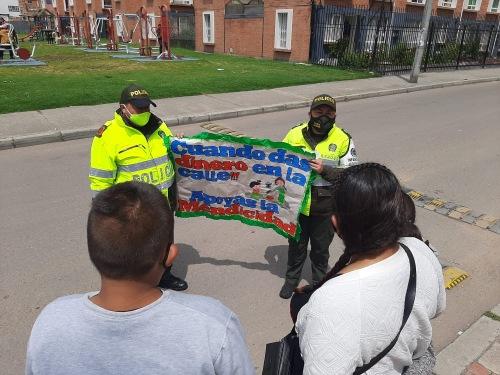 Policía realiza campaña contra la mendicidad infantil