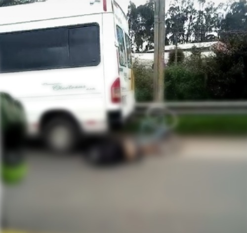 Muere ciclista tras chocar con una buseta en la Vía Facatativá – Madrid.