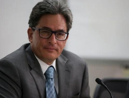 Alberto Carrasquilla renunciará al Ministerio de Hacienda