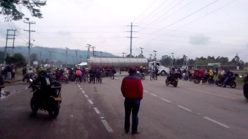 Cierre de vías en 26 municipios de Cundinamarca afectan movilidad